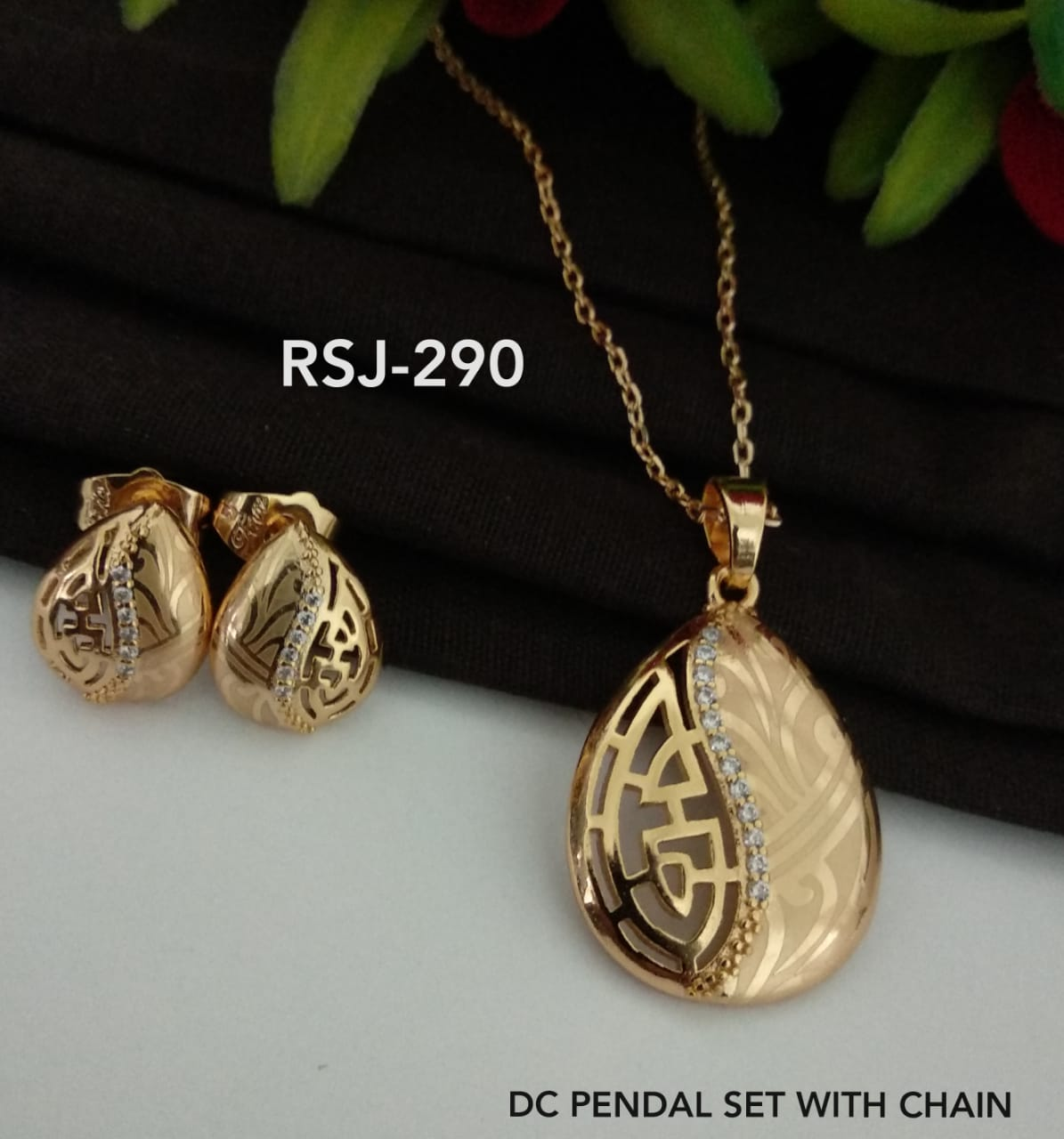 DC Pendal Set With Chain And Earrings